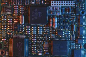 人工智慧 AI六小時搞定晶片設計!又再度完勝人類工程師!